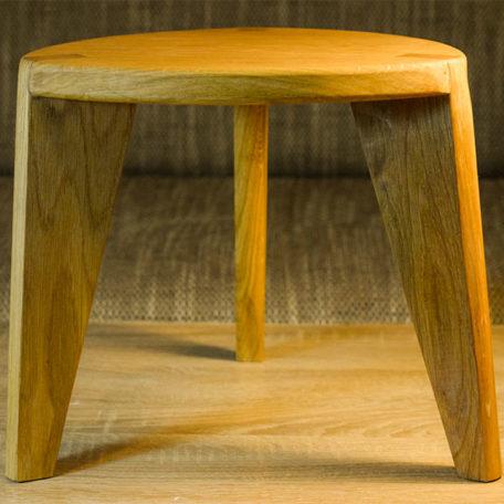 Tronožac Oak