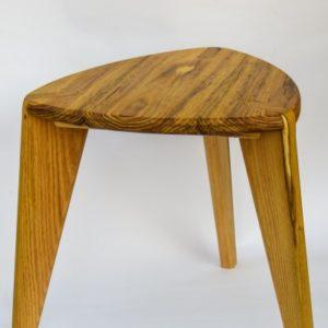 Bagrem stoličica tronožac